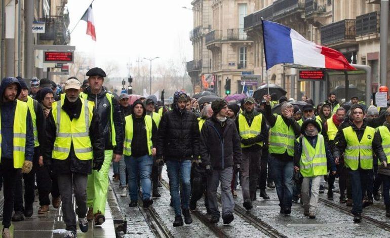 Polizei nimmt Dutzende «Gelbwesten» fest