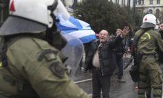 «Hände weg von Mazedonien»