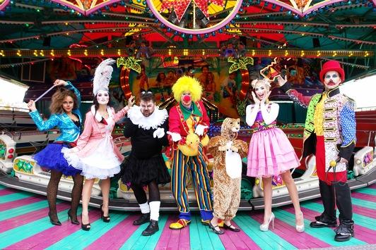 C&A mit Karnevalsabteilungen des Marktführers Deiters