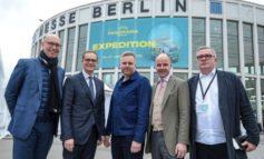 Modestandort Berlin: Berlins Regierender Bürgermeister Michael Müller und Berlins Wirtschaftssenatorin Ramona Pop informierten sich auf der Modemesse Panorama Berlin