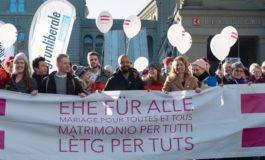 Ehe für homosexuelle Paare einen Schritt weiter