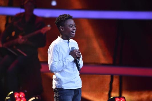"""Gänsehaut mit Heiligenschein! Thapelo (13) verzückt die Coaches bei """"The Voice Kids"""" mit Beyonce-Song """"Halo"""" – am Sonntag in SAT.1"""