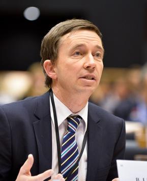 """Bernd Lucke (LKR): """"Die Einrichtung eines Europäischen Währungsfonds wäre ein erneuter Vertragsbruch"""""""