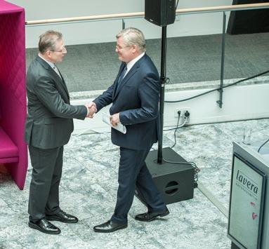 Hannover wird natürlich / lavera verlegt Firmenzentrale nach Hannover / Firmengründer Thomas Haase eröffnete mit Festredner Minister Dr. Althusmann das neue Verwaltungsgebäude im Herzen Hannovers