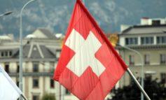 Schweiz: Mindestens vier Menschen bei Lawinenunglück verschüttet
