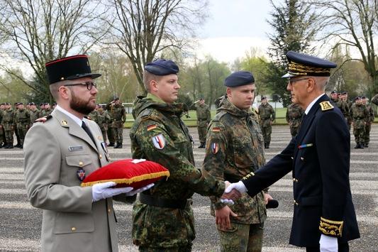 Deutscher Soldat in Frankreich für Tapferkeit ausgezeichnet