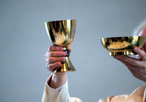 Erzbischof Burger offen für Abschaffung des Zölibats