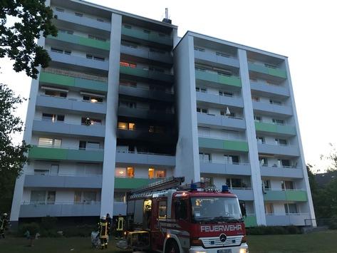 FW-HB: Eine verletzte Person bei Wohnungsbrand