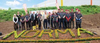 NORMA: Bienenschutz wird bundesweit fortgesetzt - die Niederlassung Fürth macht den nächsten Schritt / Fürths Oberbürgermeister Dr. Thomas Jung lobt Azubi-Engagement