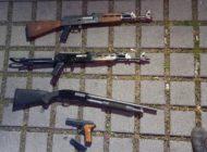 """HZA-B: Brisante """"Reisemitbringsel"""" / Zoll entdeckt Waffen im Reisegepäck"""