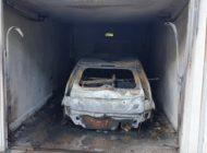 FW Lehrte: PKW brennt in Garage