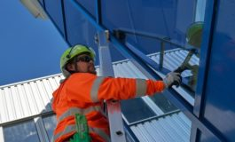 Neue Arbeitsschutzprämien der BG BAU / BG BAU bezuschusst jetzt auch Stufen-Schiebeleitern und Stufen-Glasreinigerleitern