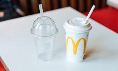 Deutlich weniger Plastik bei Dessertverpackungen / McDonald's Deutschland geht mit seinem Fahrplan zur Reduzierung von Plastik- und Verpackungsmüll über die gesetzlichen Vorgaben hinaus