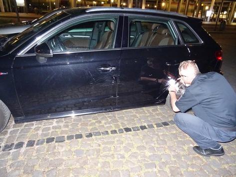 POL-HM: Unfallflucht am Bahnhofsplatz – Audi von unbekanntem Fahrzeugführer beschädigt