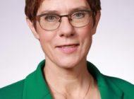 Bundesministerin der Verteidigung zu Gast im 1. Korvettengeschwader in Rostock