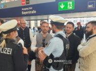 Bundespolizeidirektion München: Bundespolizei im Wiesn-Einsatz: Alle Hände voll zu tun am Eröffnungstag