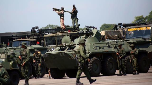 Venezuela beginnt Militär-Übung an der Grenze zu Kolumbien