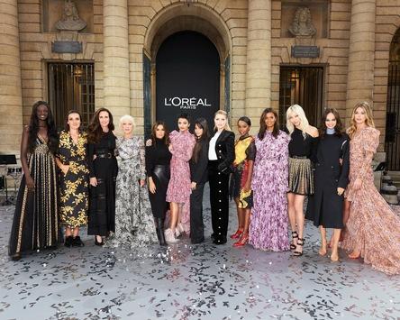 L'Oréal Paris feierte spektakuläre Runway-Show und das waren die Fashion- und Beauty-Looks der Markenbotschafter