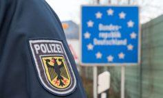 Bundespolizeidirektion München: Mutmaßliche Schleuser fahren im Bus mit - Iraker wollen Verwandtschaft von Griechenland nach Deutschland bringen