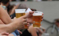 Deutsche kaufen weniger Bier: Helles legt zu, Weizen stürzt ab