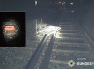 Bundespolizeidirektion München: Gegenstände im Gleisbereich - Züge überfahren Einkaufswagen und Feuerlöscher