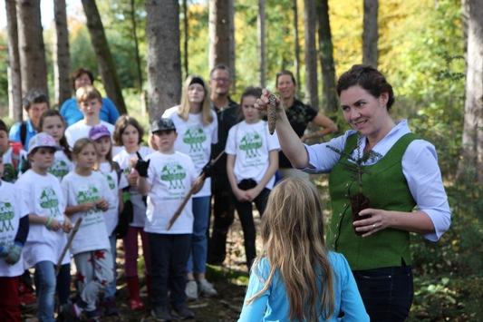 Aktion für lokalen Klimaschutz: Gemeinsam mit Plant-for-the-Planet macht UPM Münchner Kinder zu Klimabotschaftern