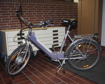 POL-HX: Pedelec im Fahrradständer zurückgelassen