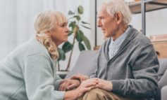 Demenz: Wenn die eigene Familie zu Fremden wird / 6 Tipps für pflegende Angehörige