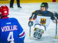 Paralympische Eishockey WM in Berlin: Versicherter der BG BAU kämpft um den Titel / Im Rollstuhl ganz vorne mit dabei