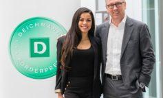 Heinrich Deichmann verleiht an 10 Projekte mit Schirmherrin und Jury-Mitglied Fernanda Brandão den DEICHMANN-Förderpreis für Integration 2019 - der Preis ist mit 100.000 Euro dotiert
