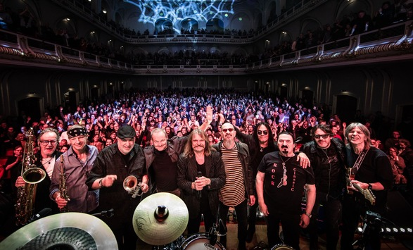 Fulminanter Konzertauftakt der MANDOKI Soulmates in Hamburg