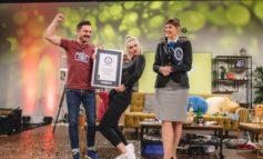 """""""72h Talkshow-Weltrekord"""": funk-Hosts Ariane Alter und Sebastian Meinberg talken sich ins Guinness-Buch der Rekorde"""