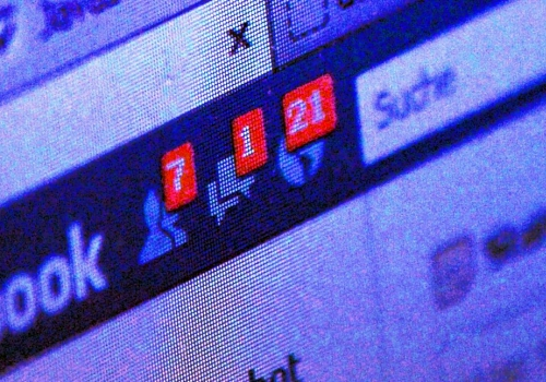 Habeck und Spitz fordern Facebook-Alternative aus Rundfunkgebühren