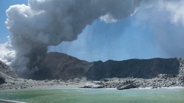Keine Lebenszeichen mehr nach Vulkanausbruch in Neuseeland