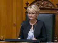 Es geht los: Nationalratspräsidentin Moret eröffnet die Sitzung