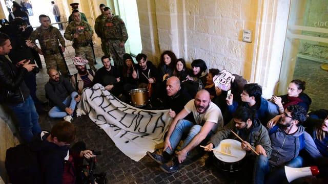 Aktivisten stürmen Amtssitz von Maltas Regierungschef