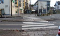 POL-OE: Kollision zwischen Fußgängerin und Pkw-Fahrer