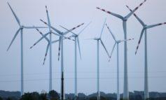 Dobrindt verteidigt Abstandsregelung für Windräder