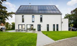 Vorfahrt für minimale bis null Energiekosten / Sonnenhaus-Energietechnik durch stark verbesserte Förderkonditionen des BAFA und der KfW nun noch attraktiver