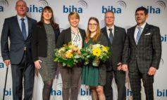 Ausgezeichnete bundesweite Handwerksausbildung: 259 junge Hörakustikerinnen und Hörakustiker erhalten Gesellenbrief
