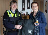 POL-WAF: Kreis Warendorf. Die PolEnte auf der Suche nach dem Christkind - Preise an die Gewinner übergeben