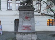 POL-Bremerhaven: Kinder besprühen Denkmal