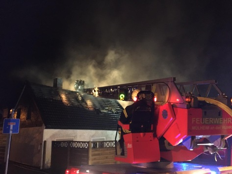 FW-MH: Dachstuhlbrand – keine Verletzten #fwmh
