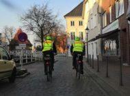 POL-STD: Mit dem Fahrrad auf Streife - Buxtehuder Polizisten in der Stadt unterwegs