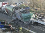 Bahnstrecke bleibt nach tödlichem Zugunglück weiter unterbrochen