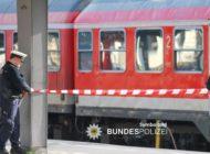 Bundespolizeidirektion München: Feuer im Regionalzug: Mutter und Sohn löschten mit Cola - Zeugen gesucht