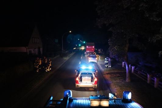 FFW Schiffdorf: Ölspur auf der Haupstraße beschäftigt Feuerwehr