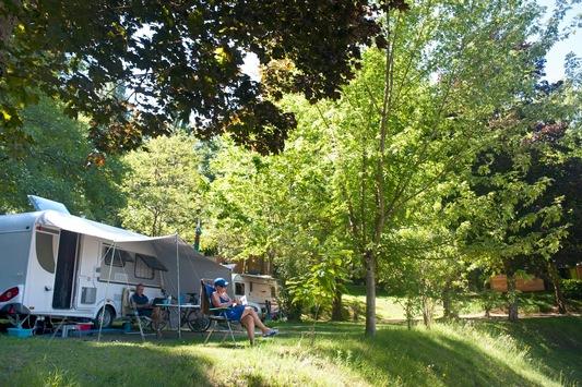 Camping in Zeiten von Corona – Frankreich öffnet Plätze für deutsche Camper / Suche: PiNCAMP veröffentlicht freie Plätze für deutsche Camper / Gegen Corona: Huttopia mit nachhaltigem Hygienekonzept