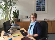 """""""Digitalisierung ist der richtige Weg"""" / Schulleiterin Gabriele Streckert hat früh auf Digitalisierung gesetzt / Sie begrüßt die Ausstattungsoffensive von NRW-Bildungsministerin Yvonne Gebauer"""