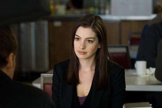 """""""Wenn es nach mir ginge, würde ich den ganzen Ruhm beiseitelegen und ganz normal meinem Job nachgehen"""" / Anne Hathaway im TELE 5-Interview und in """"Passengers"""" am Mittwoch, 22. Juli 2020, 20:15 Uhr"""